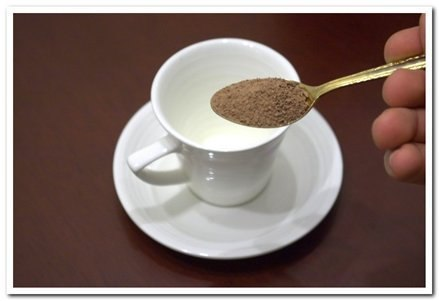 ложка зеленого кофе